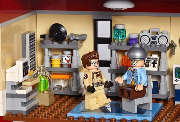 Lego Ghostbusters firehouse lab 2