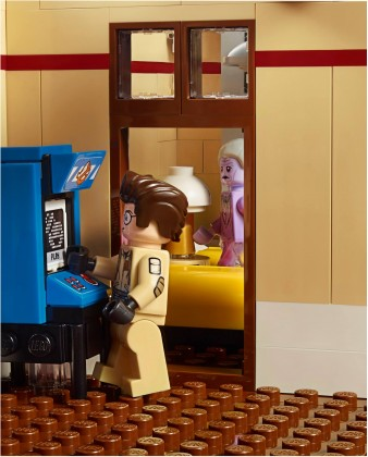 Lego Ghostbusters firehouse toilet 2