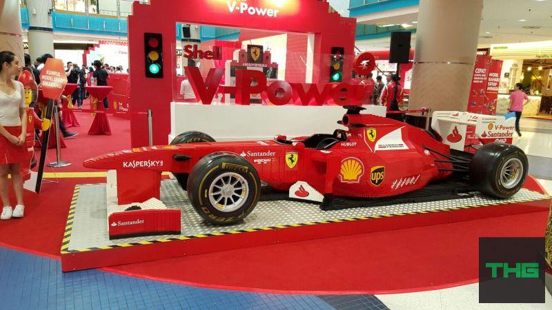 Shell VPower Lego Life size F1