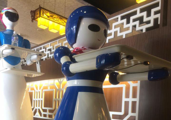 Robot Waiters Lolita Kuching
