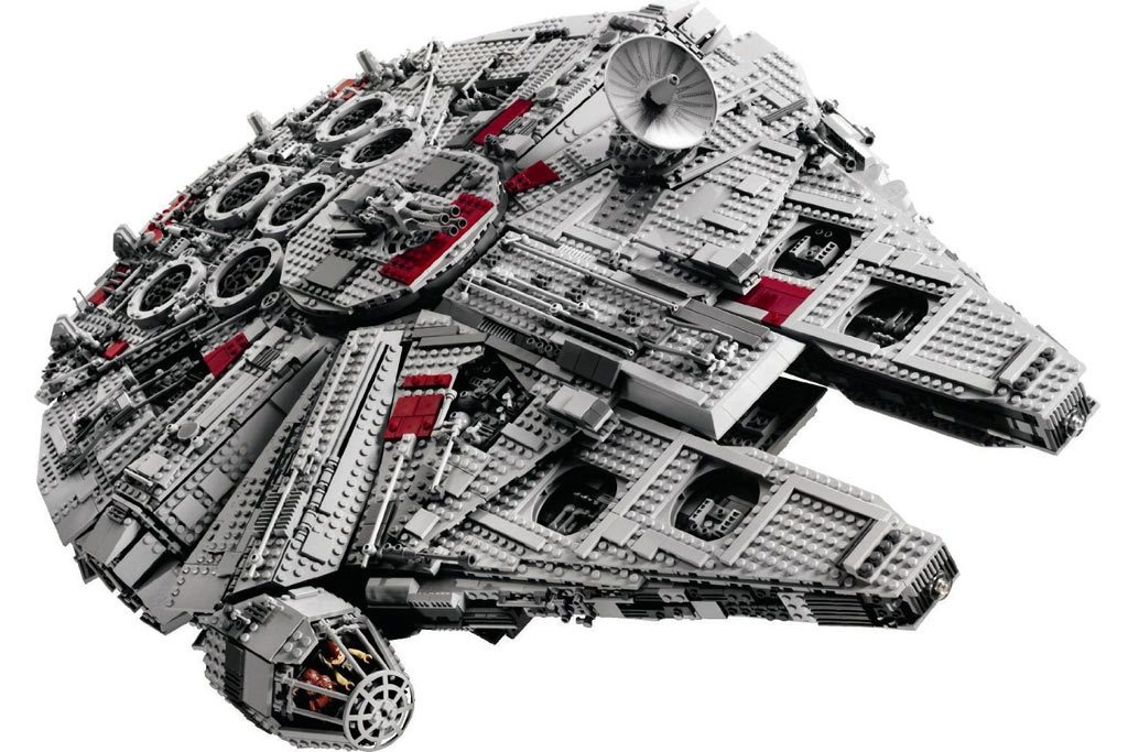 here 39 s what the full lego star wars ucs millennium falcon. Black Bedroom Furniture Sets. Home Design Ideas