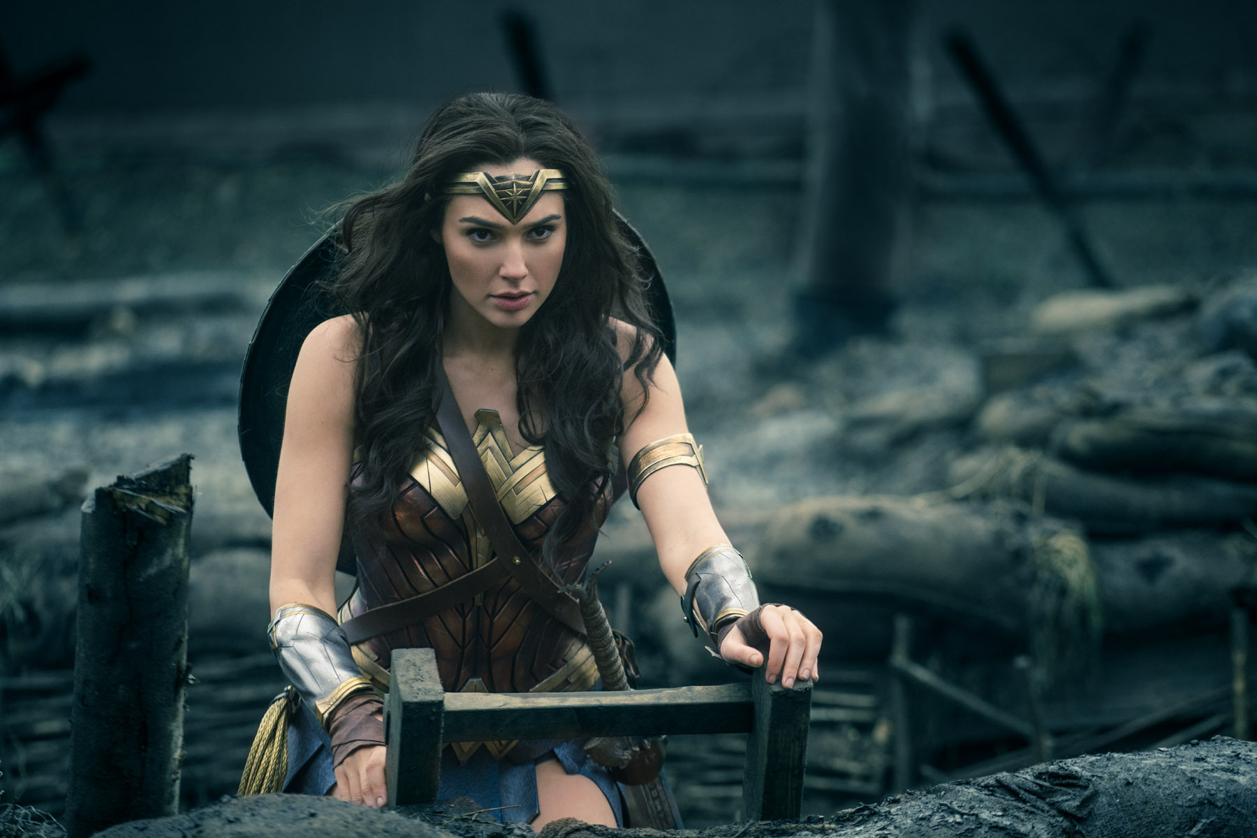 Also, this is NOT a review. If you'd like to read our spoiler-free review  of Wonder Woman, you can click right here.